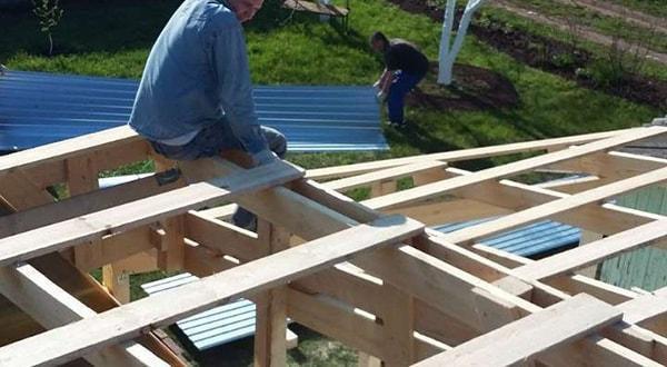 Строительство деревянных навесов любого уровня сложности быстро и качественно.