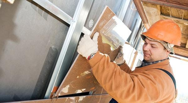 Монтаж керамогранита недорого, в короткие сроки, отличное качество работ.
